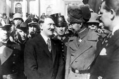 Hitler mit Kronprinz Wilhelm von Preussen