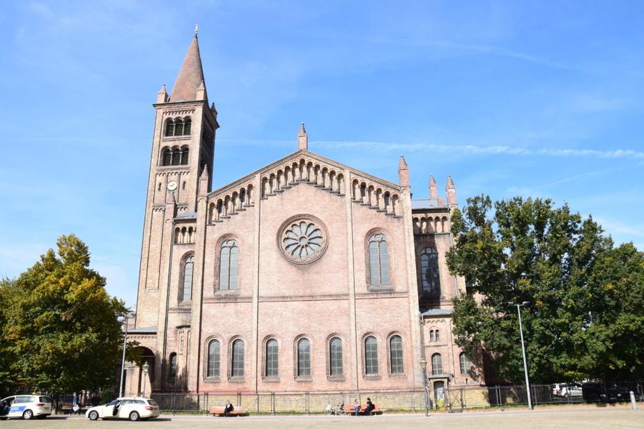 Katholische Pfarrkirche St. Peter und Paul, Potsdam, Kirche, Pfarrkirche